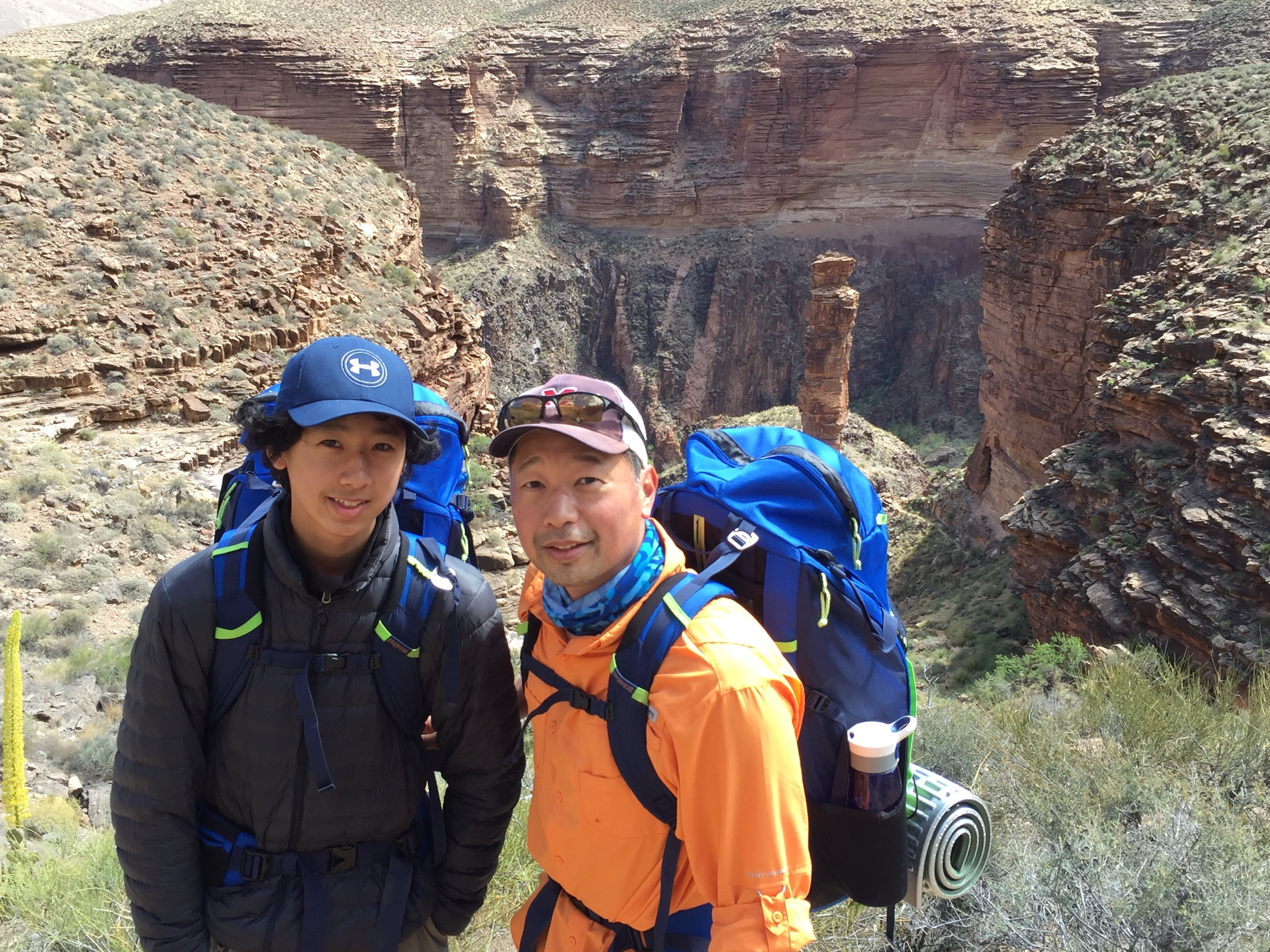 Family Hiking in Monument Canyon on Grand Canyon Challenge